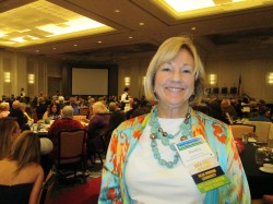Dorothy Skarnulis accepts KTB Gold Star Affiliate Award